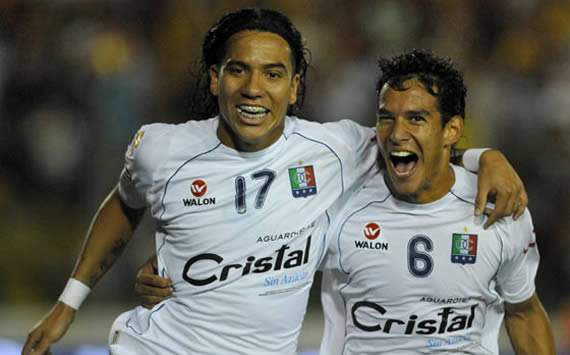 Once Caldas despachou equipe de melhor campanha em 2011